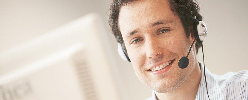 Un conseiller clientèle du service client et assistance de chez Dr. Schutz