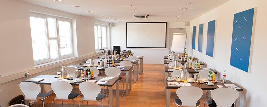 Une salle de classe de l'académie de formation Dr. Schutz en Allemagne